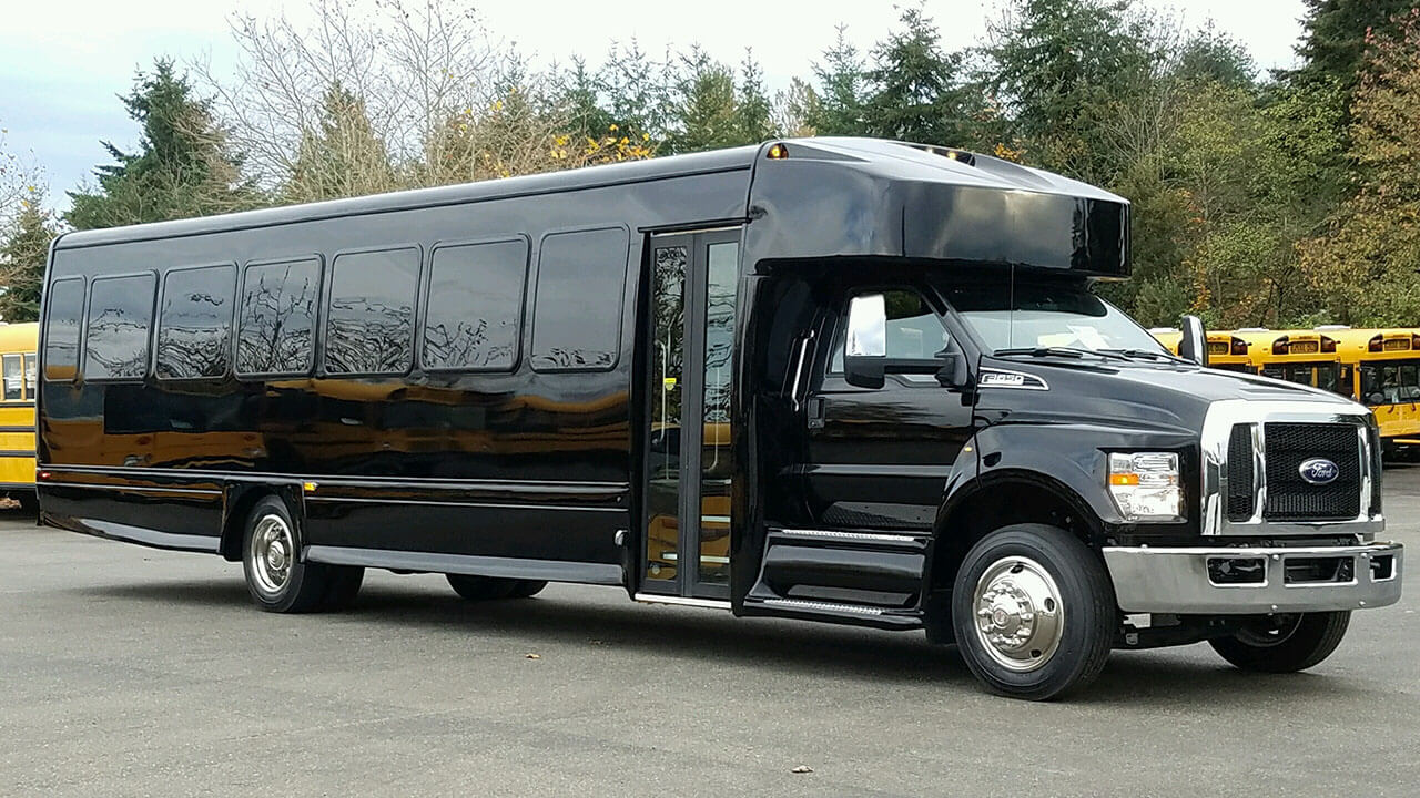 F FORD F650 EXECUTIVE VIP SHUTTLE BUS Up to 36 Passengers A&A