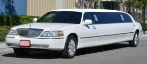 (1) Lincoln Towncar Stretch Limousine Up to 6/8 Pass